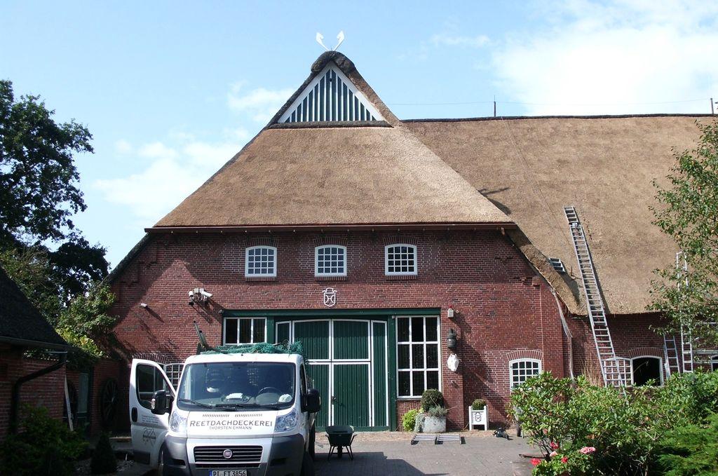 Reetdachdeckerei-Ehmann-Wedel-Hamburg-Reetdach-08